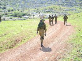 戦場に向かう兵士